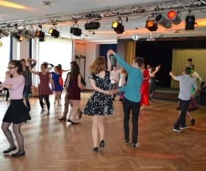 Bei uns oder bei euch?        Schüler-Tanzkurse