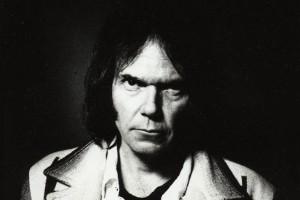 Neil Young Performance auf ein Künstlerischen Eigenbrötler